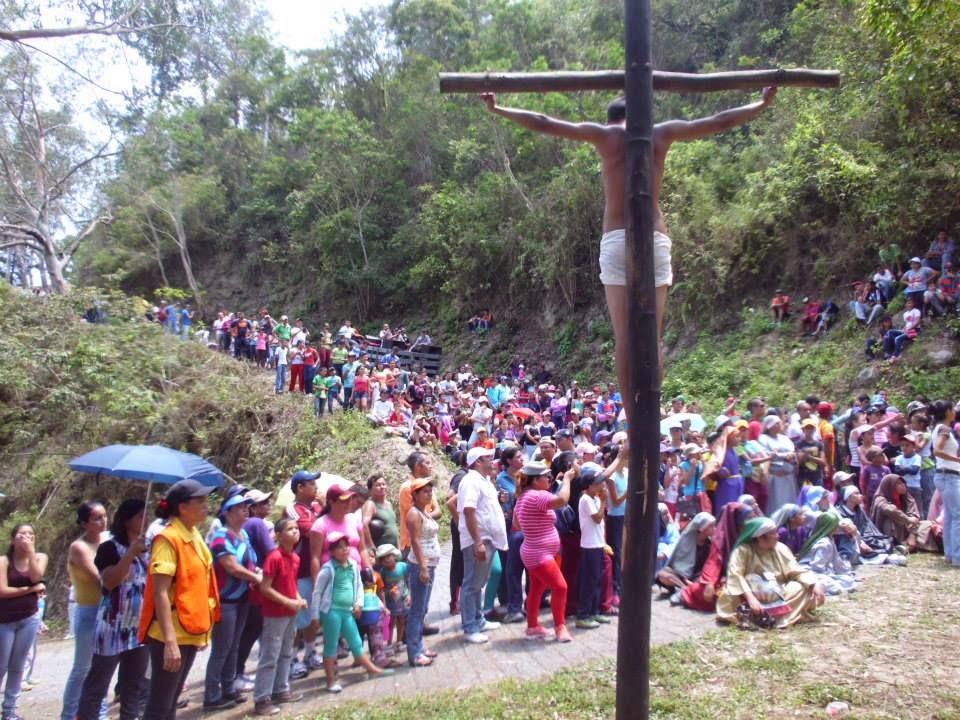 VIDEO. Viacrucis viviente de la Montaña 2015, en San Genaro, municipio San Rafael de Carvajal