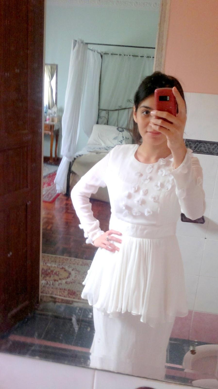 Lepas tu, pergi almari test baju nikah haritu….vahahha…from Nurita