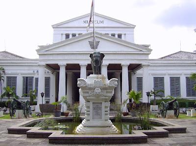6 Bangunan Termegah Peniggalan Belanda di Indonesia