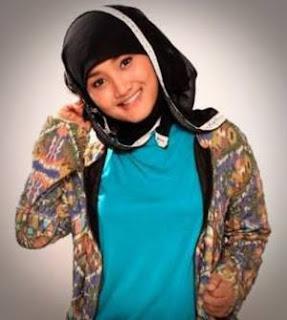 Model Jilbab Fatin Show Terbaru trend