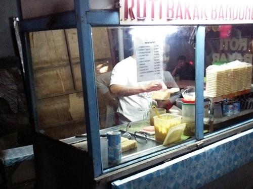 ロティ バカール(Roti Bakar)の屋台
