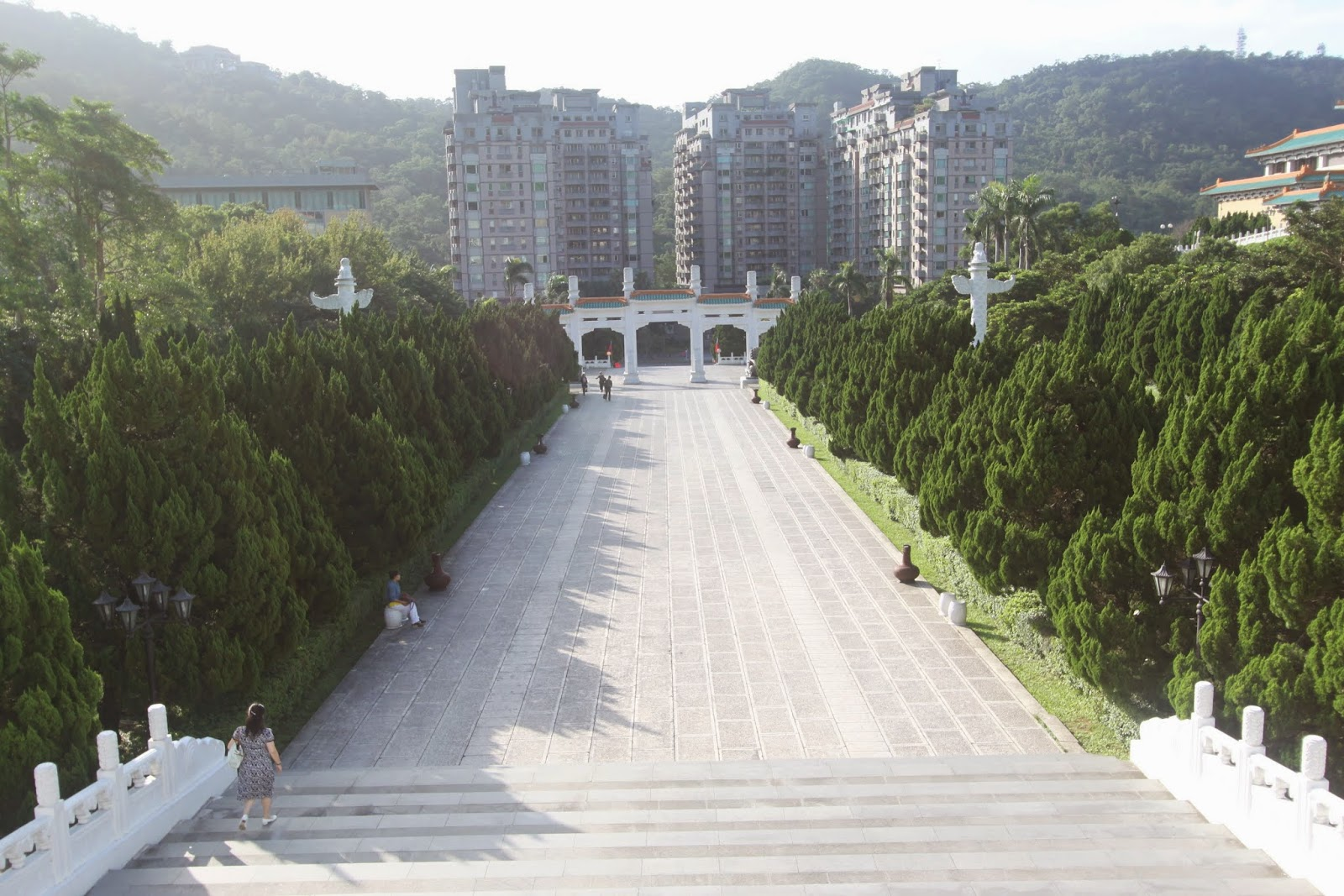 A long walking entrance towards the main building of National Palace Museum in Taipei, Taiwan