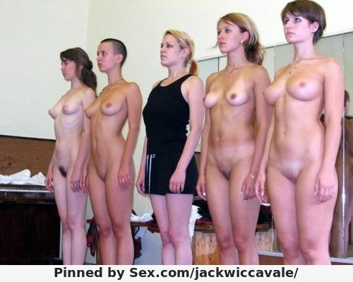 фото унижение голых девушек