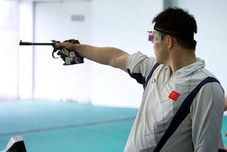 Zhang Tian, da China - medalha de ouro na Pistola 50m da Copa do Mundo ISSF de Carabina e Pistola
