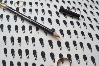 P.S Love.. Eyebrow Pencil in Light