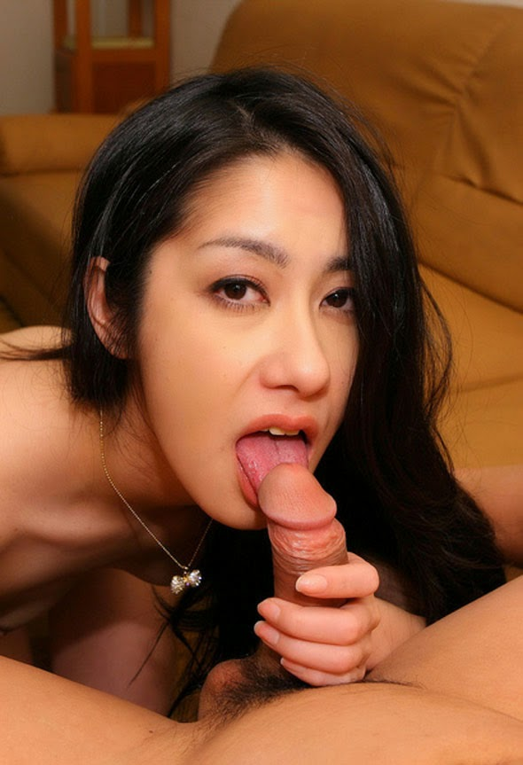 Korean Girl Expose Hairy Pussy Sucking Dick