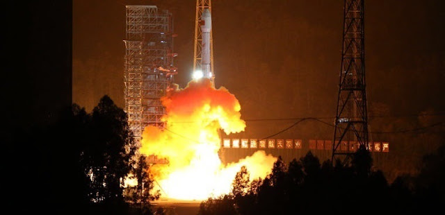A Long March 3B rocket launches Gaofen-4 satellite on Dec. 28, 2015. Photo Credit: 81.cn/Weibo via 9ifly.cn