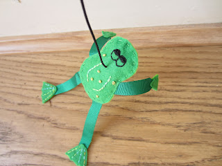 feltie frog cat toy, handmade hand embroidered