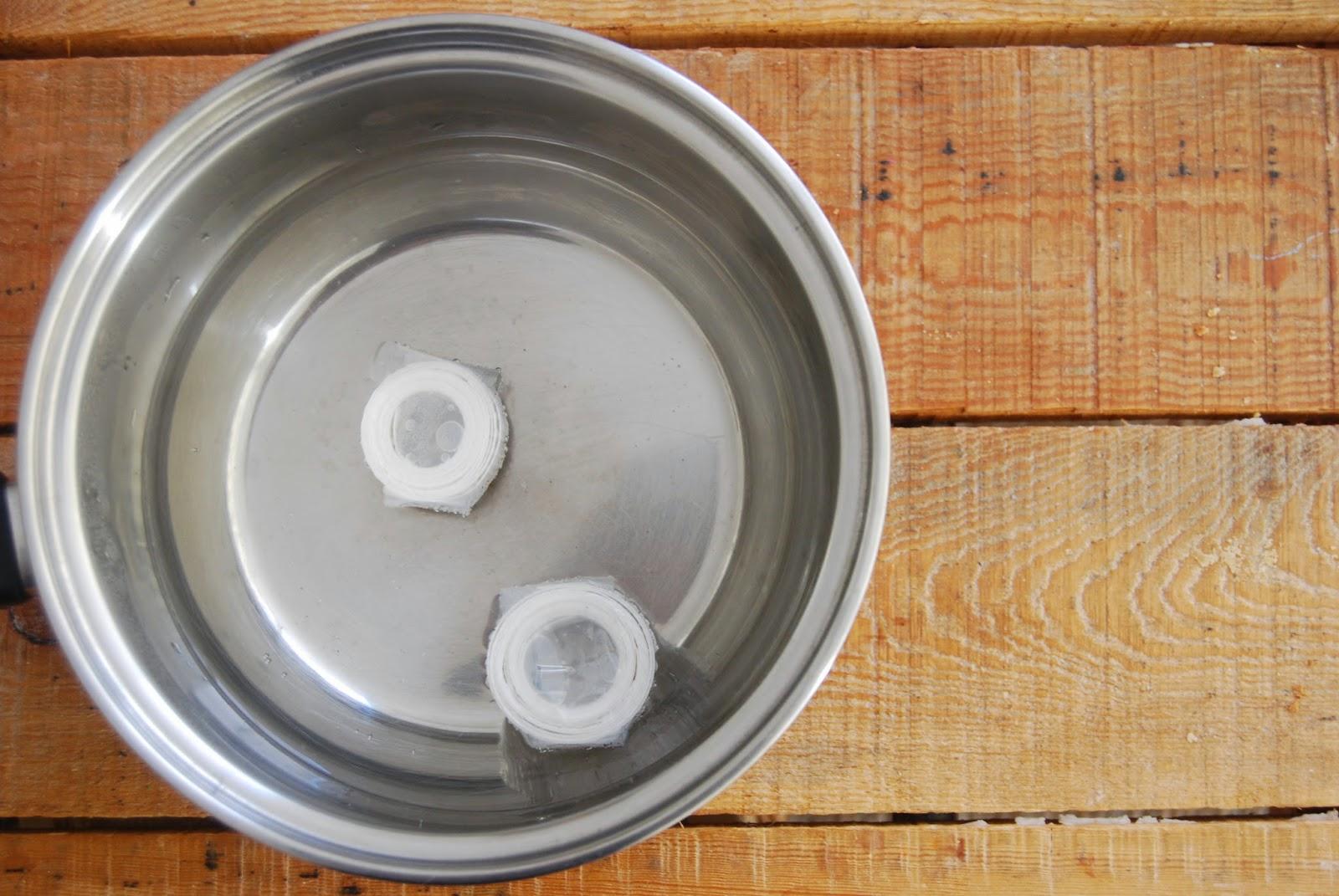 Cómo hacer un yo-yo con cinta de embalar.