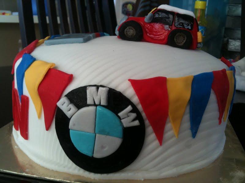 Zeti Hot Oven 365 hot oven Mini Cooper BMW Fondant Chocolate Cake