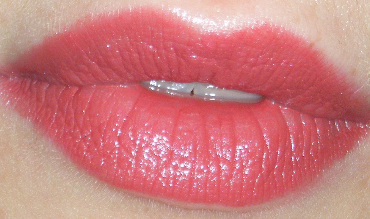 Journal d 39 une beauty paresseuse une jolie bouche avec un joli rouge make up grenadine - La femme a la bouche fendue ...