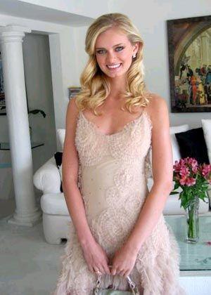 http://2.bp.blogspot.com/-3hLnbEfn4TE/TaxyuPsN12I/AAAAAAAAAh8/BUdr5oOLo58/s1600/Sara+Paxton+%252819%2529.jpg
