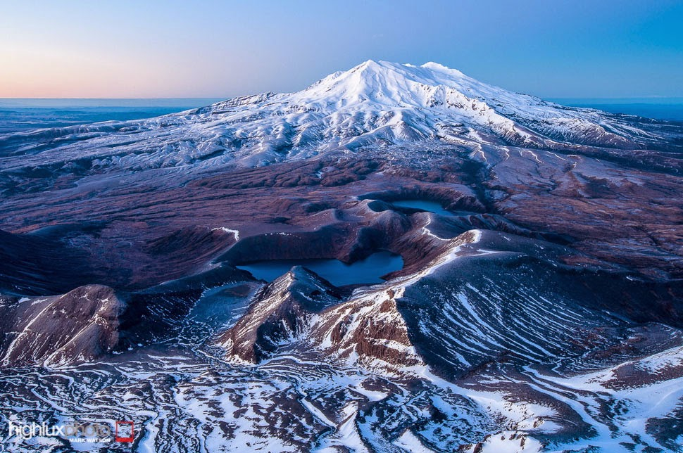From Volcano Peaks to Endangered Kiwis in Diverse Tongariro Park, New Zealand