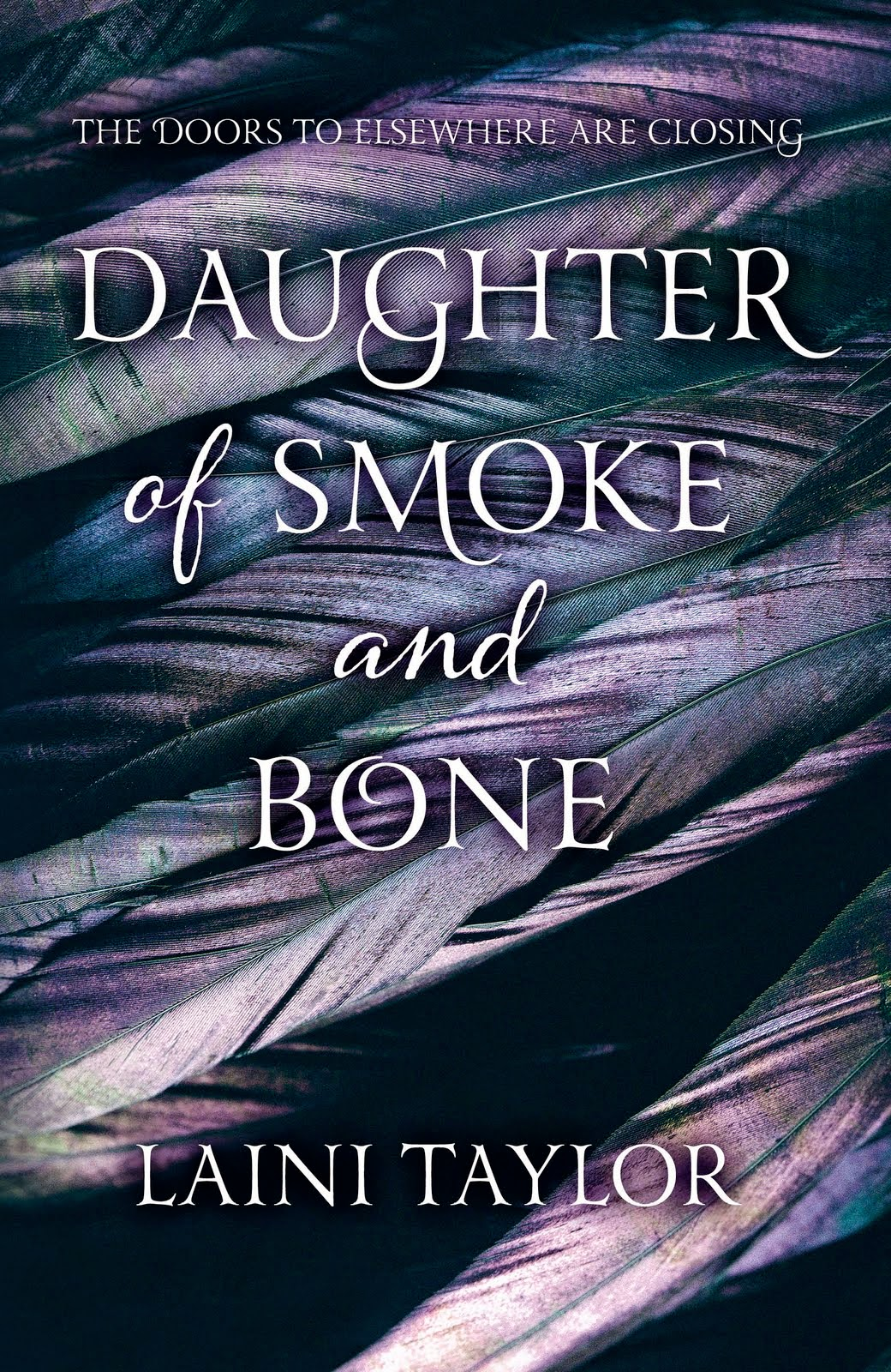UK hardback book cover of Daughter of Smoke and Bone by Laini Taylor