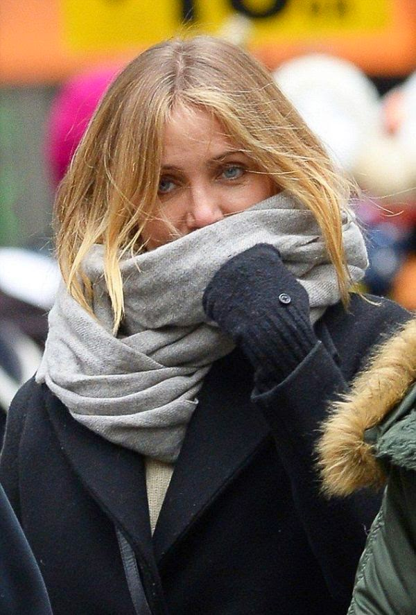 It is may be a newest condition for Cameron Diaz and her boyfriend, Benji Madden to take their moment above the snowy.  You're right! The actress surely know about how to treat a man as she taking a break from her busy schedule at Manhattan, NY, USA on Saturday, November 29, 2014.