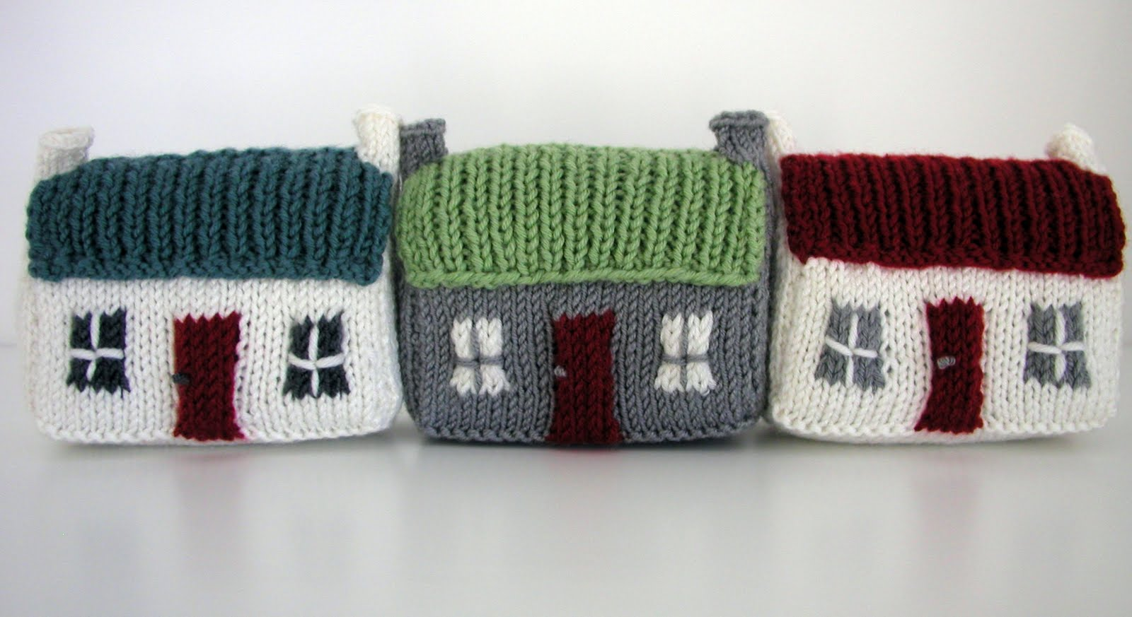 Hand knitted things mini red roof croft house for House pattern