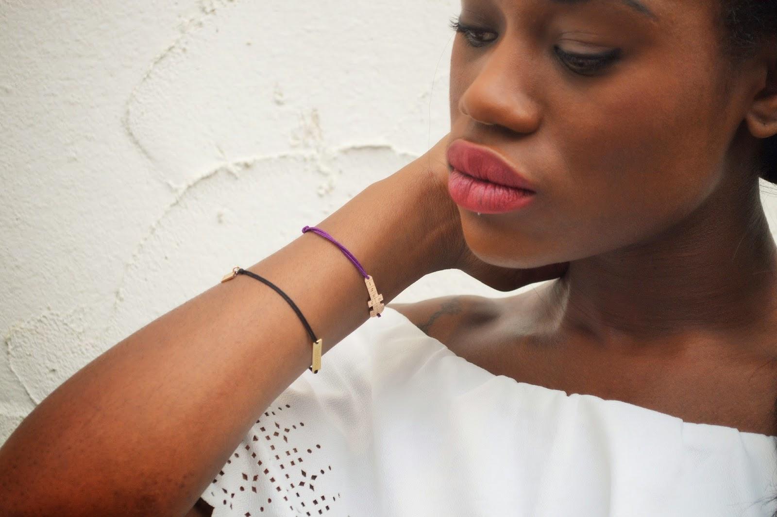 crop top blanc, bracelet j'ai épousé une perle et laulane bijoux