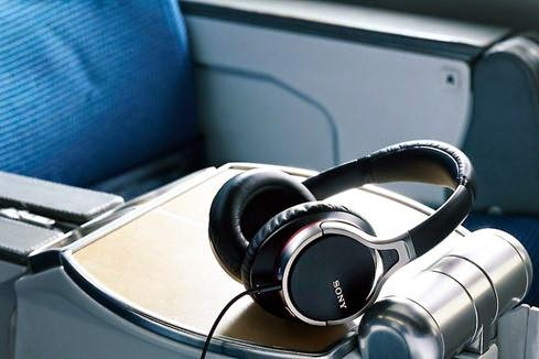 Stylish Headphones for Men Option, Sony MDR-10RNC noise-canceling headphones