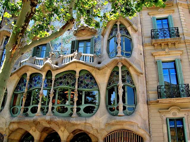 Arte y arquitectura casa batll antonio gaud - Casa en catalan ...
