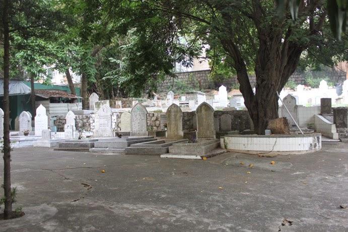 Mengingat Desember Di Macau Mosque & Cemetery (2)