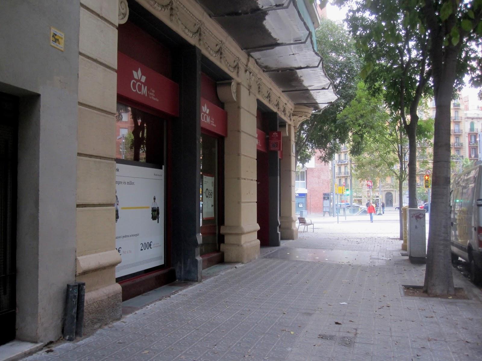 Tot barcelona el reloj de la banca roses de la calle rocafort - Calle manso barcelona ...