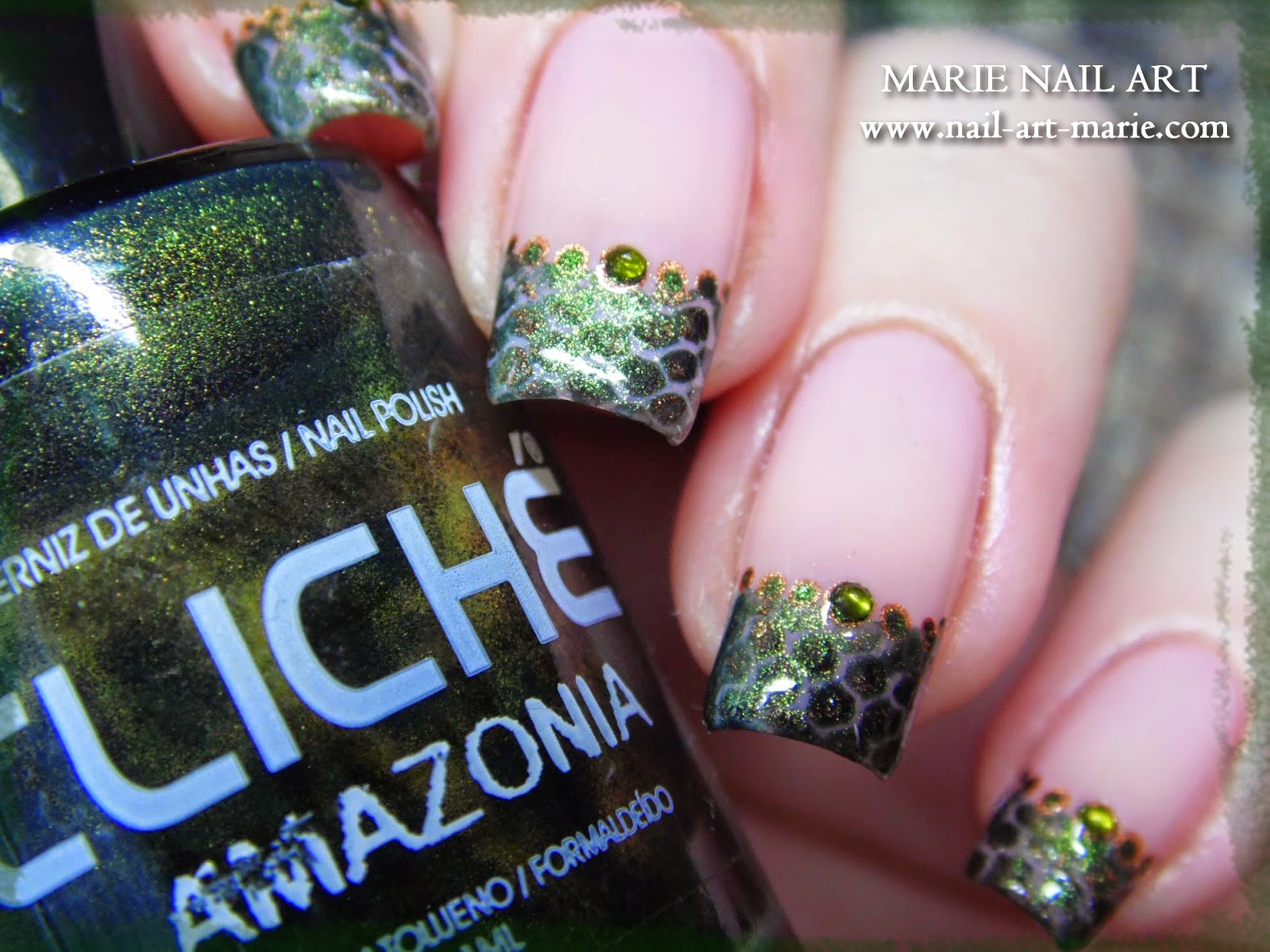 nail art effet peau de serpent1