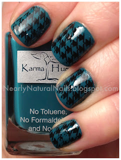 herringbone print, nail art, herringbone pattern nails, nail stamp, stamping nail art, black nail stamp, black and teal nails, BM19, bundle monster stamp plate, 2 coats Karma Hues Florida Mornings, teal nail polish swatch, blue-green nail polish, teal nails, big 3 free, natural nail polish, short nails, manicure, cream finish teal nail polish, swatches, my polish stash, 31 day nail challenge, inspired by a pattern, Mineral Fusion nail lacquer, Obsidian, No-Miss Boca Base Coat, No-Miss It's Dry topcoat
