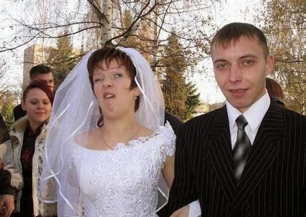 أطرف صور العروسين في حفلات الزفاف  Funny-wedding-photos-15