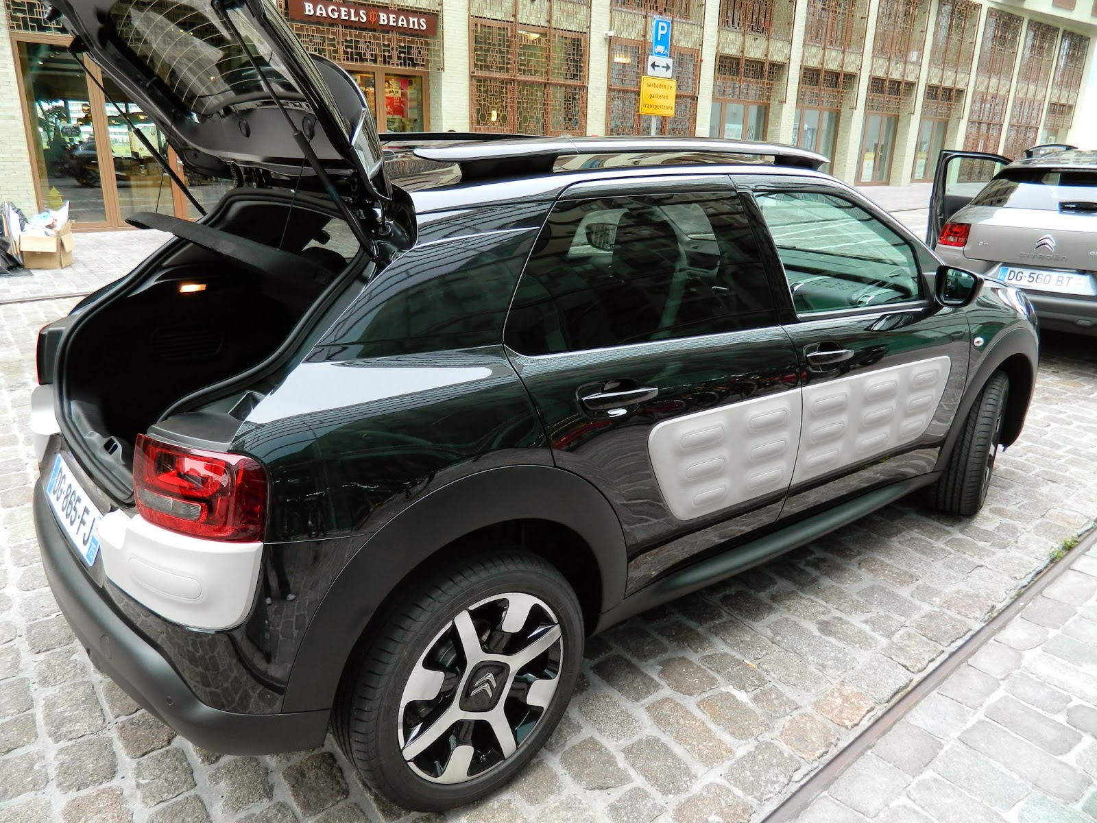 Citroen C4 Cactus in Black with airbumps