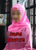 Awek tudung baju pink