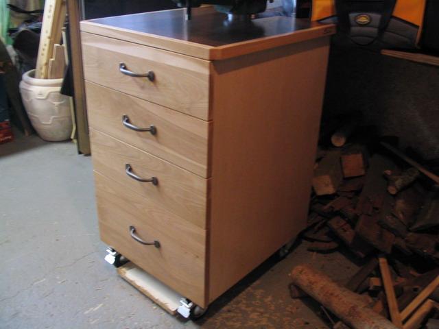 Une r alisation de tomy b dard meuble de rangement pour perceu - Fabriquer perceuse a colonne ...