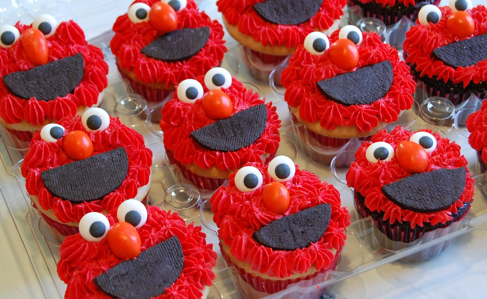Chef Mommy Sesame Street Cake and Cupcakes