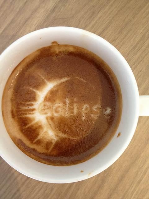 seni-kopi-latte-eclipse