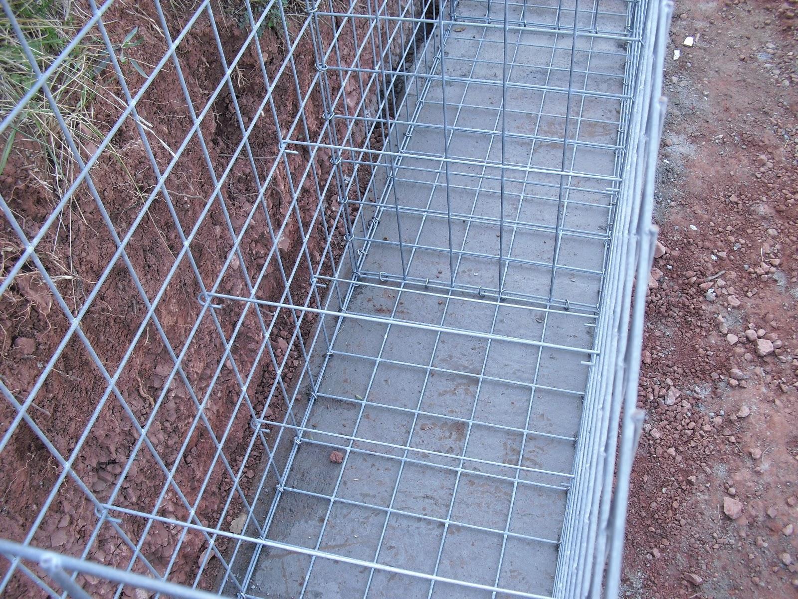 Nuestra casa contenedor montando gaviones - Muros de gavion ...