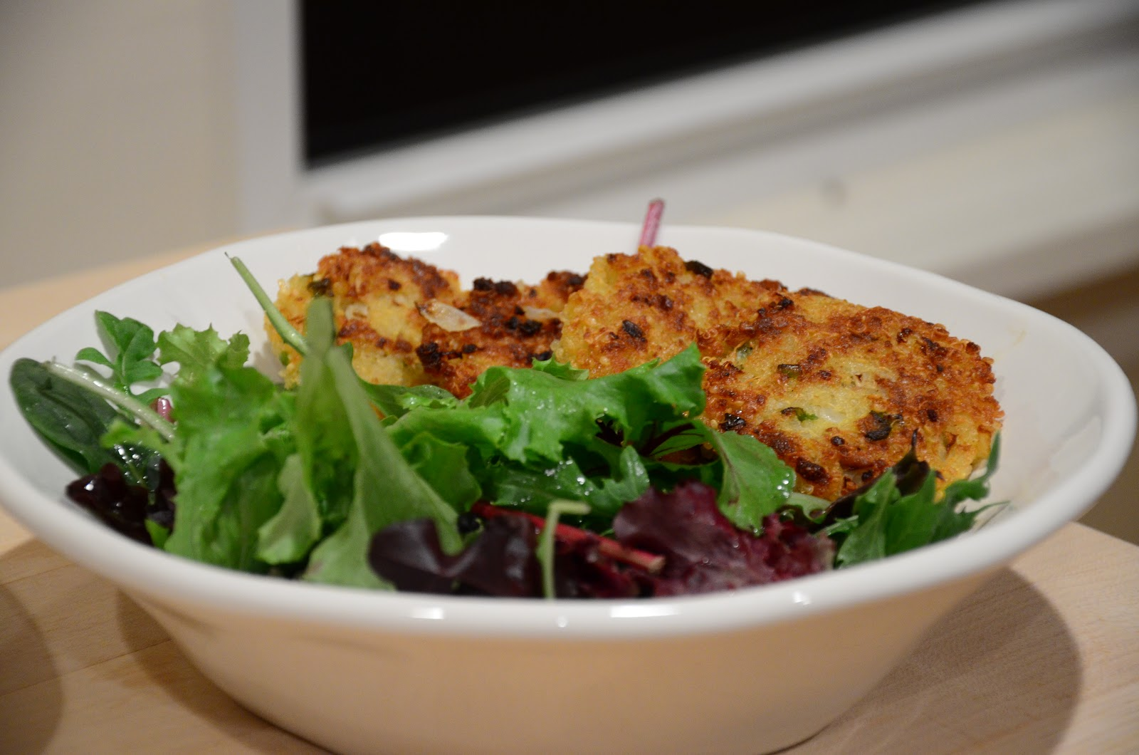 food for scot: Lemon and Olive Quinoa Cakes