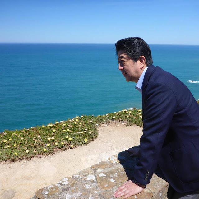 Cách người Nhật trả lại tiền thừa