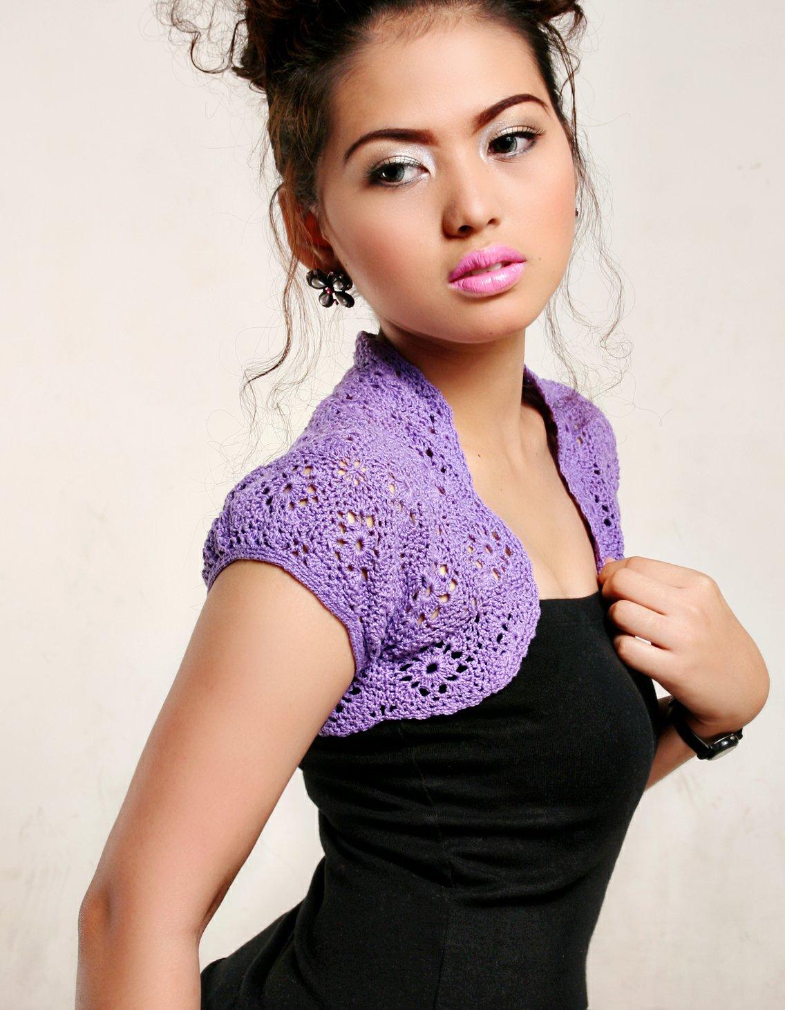 Crochet Flower Shrug Pattern : Crochet and Other Stuff: Crochet a motif shrug