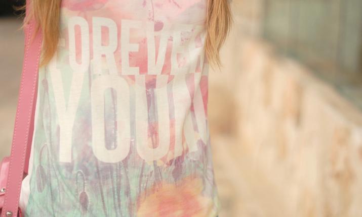 Camiseta Forever Young en el blog de moda Mes Voyages à Paris