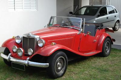 Numa garagem que abriga um MP Lafer, um Corsa será sempre um coadjuvante, mas mesmo um carro como ele merece a nossa consideração.