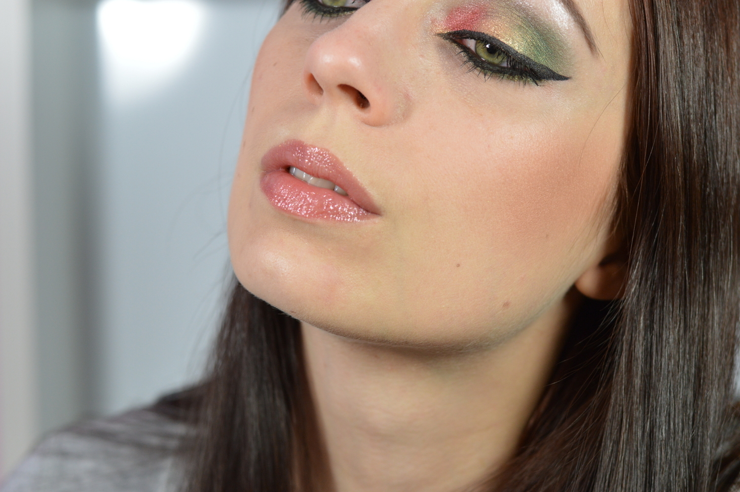http://blushesandmore.blogspot.co.at/2014/04/nachgeschminkt-april-2014-arab-make-up.html
