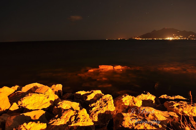 Sea+rocks+night