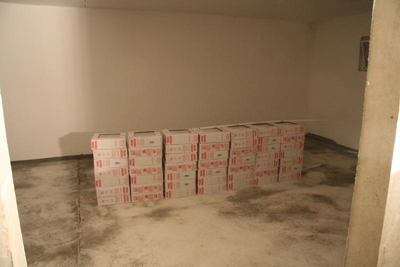 verputzen und viele fliesen bautagebuch der dittmanns. Black Bedroom Furniture Sets. Home Design Ideas