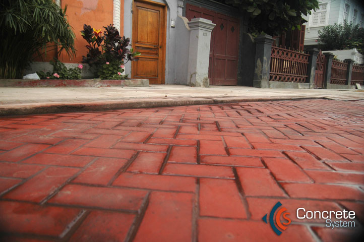 Concrete system concreto decorativo para pisos y muros for Pisos para galerias exteriores