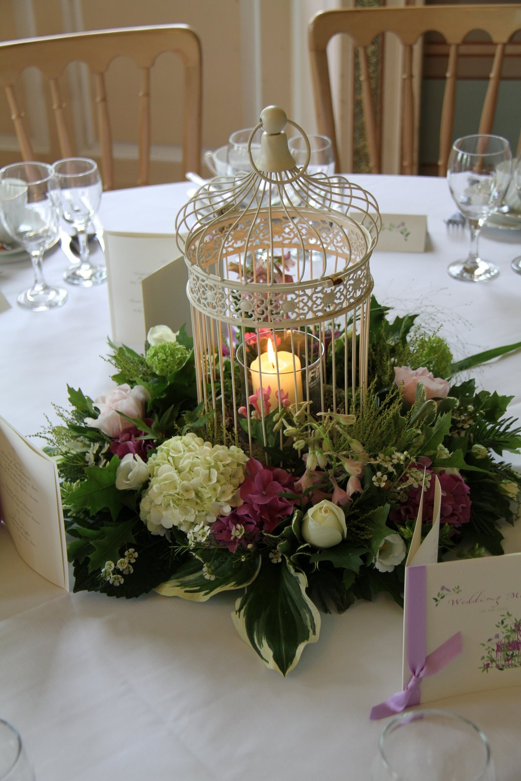 Flower Design Table Centrepieces: Vintage Bird Cage Table Centrepiece