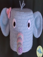 http://elmundodelosamigurumisdeana.blogspot.com.es/2015/05/elefanta-portarrollos.html