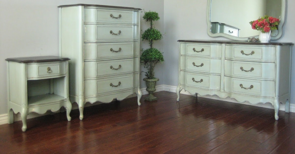 European paint finishes french bowed dresser set for Bedroom furniture 85225