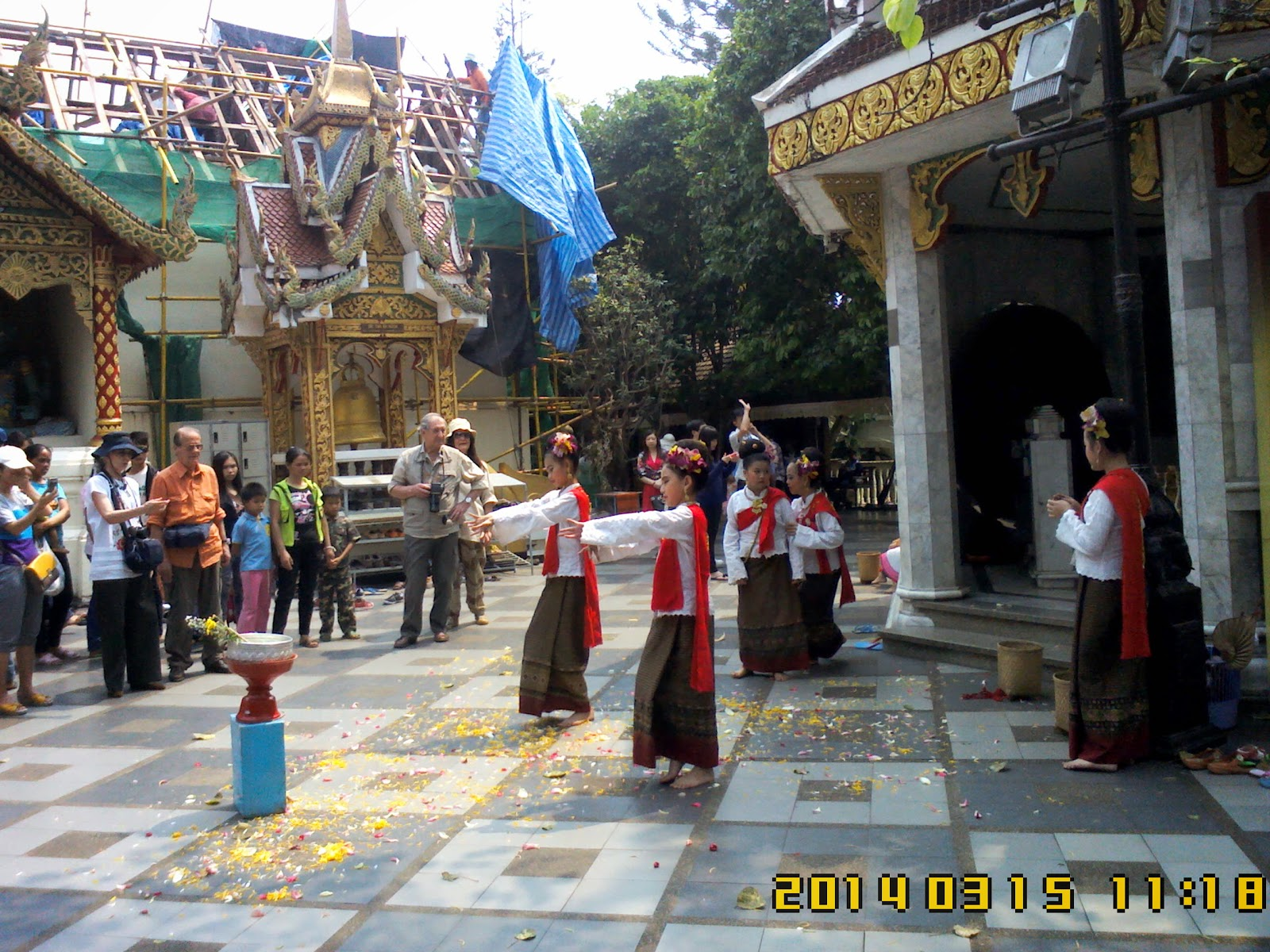 ChiangMai Tour Guide service tour in Chiangmai To May 's Group