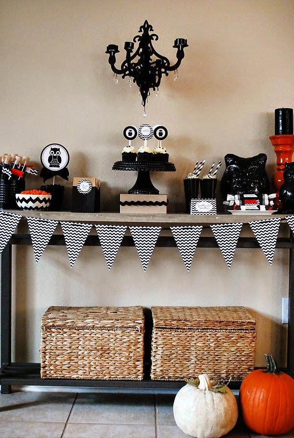 http://2.bp.blogspot.com/-3lekrArfPSU/VEkpn3DNJ7I/AAAAAAAANk0/dRq6r74MegU/s1600/halloween-dessert-table1.jpg