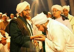 Cium Tangan Ulama adalah Perbuatan Sunnah