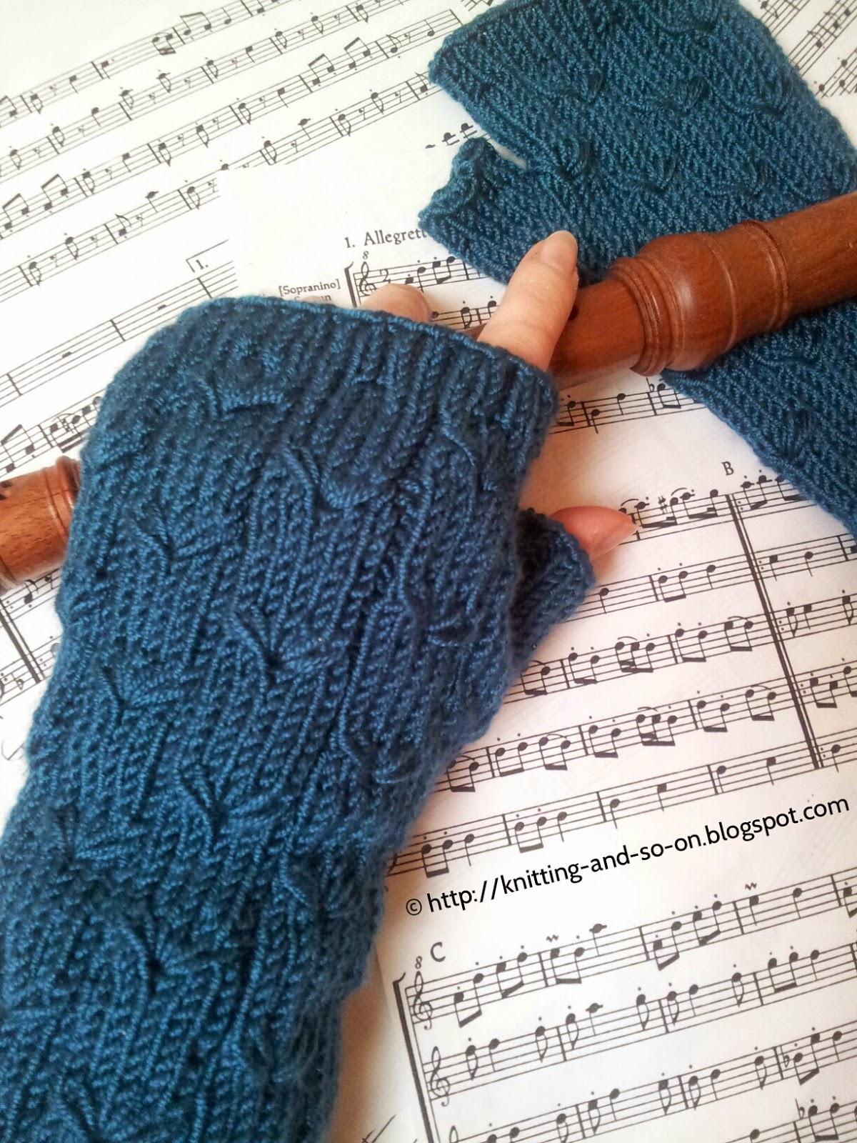 Knitting and so on: Margarete Fingerless Gloves
